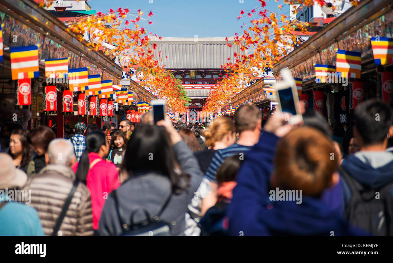 Tourists flocking to Senso-ji Temple during Autumn Festivals in Asakusa district in Tokyo - Stock Image