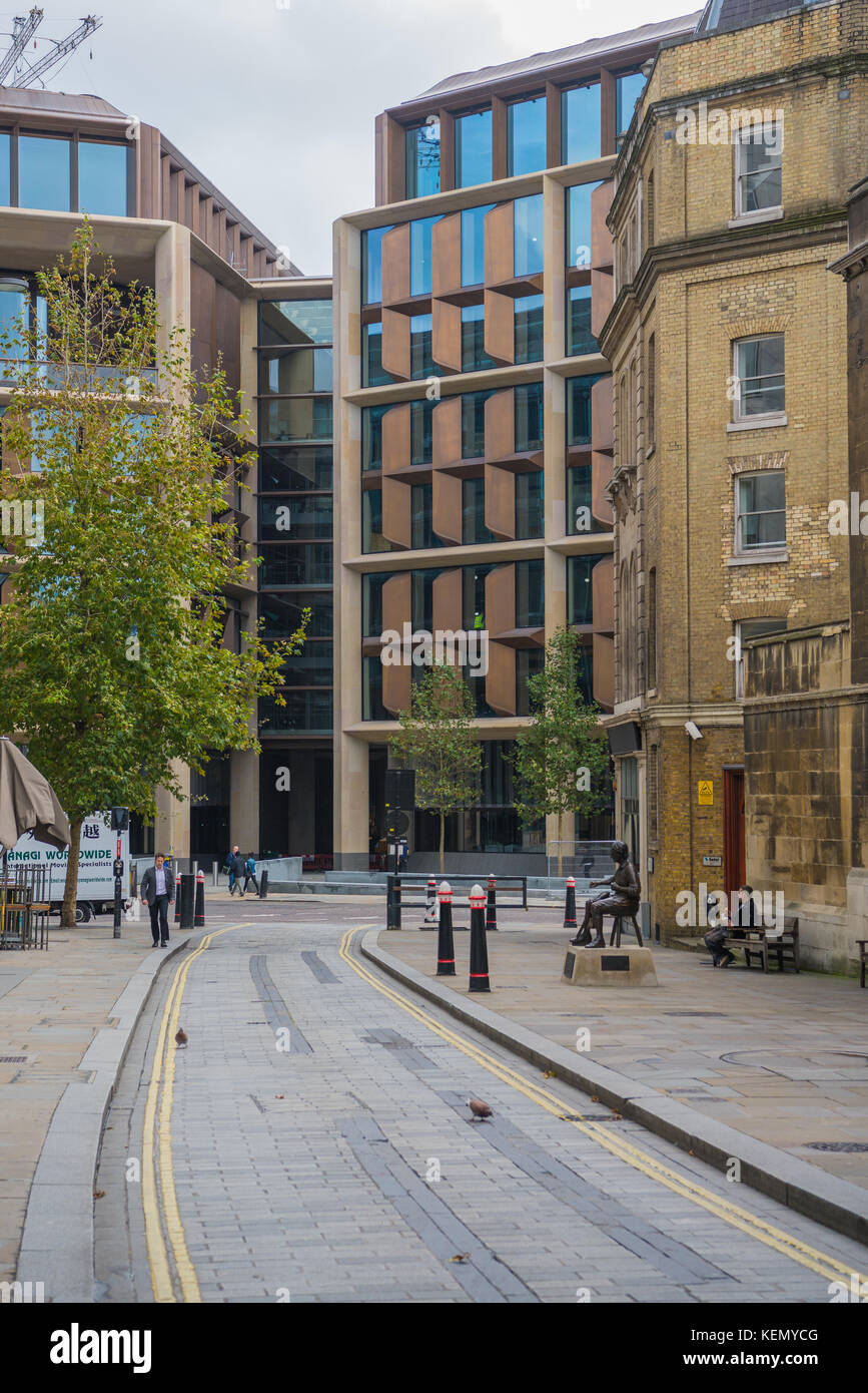 Bloomberg European headquarters in the City of London, as seen from Watling Street. - Stock Image