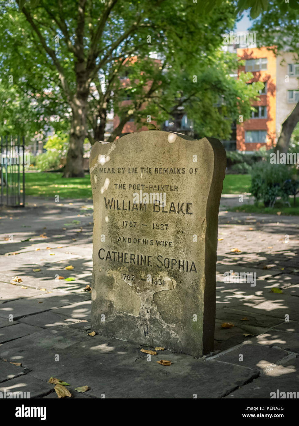 MEMORIAL GRAVE FOR WILLIAM BLAKE, LONDON:  Headstone for Poet William Blake in Bunhill Fields Burial Ground, London Stock Photo