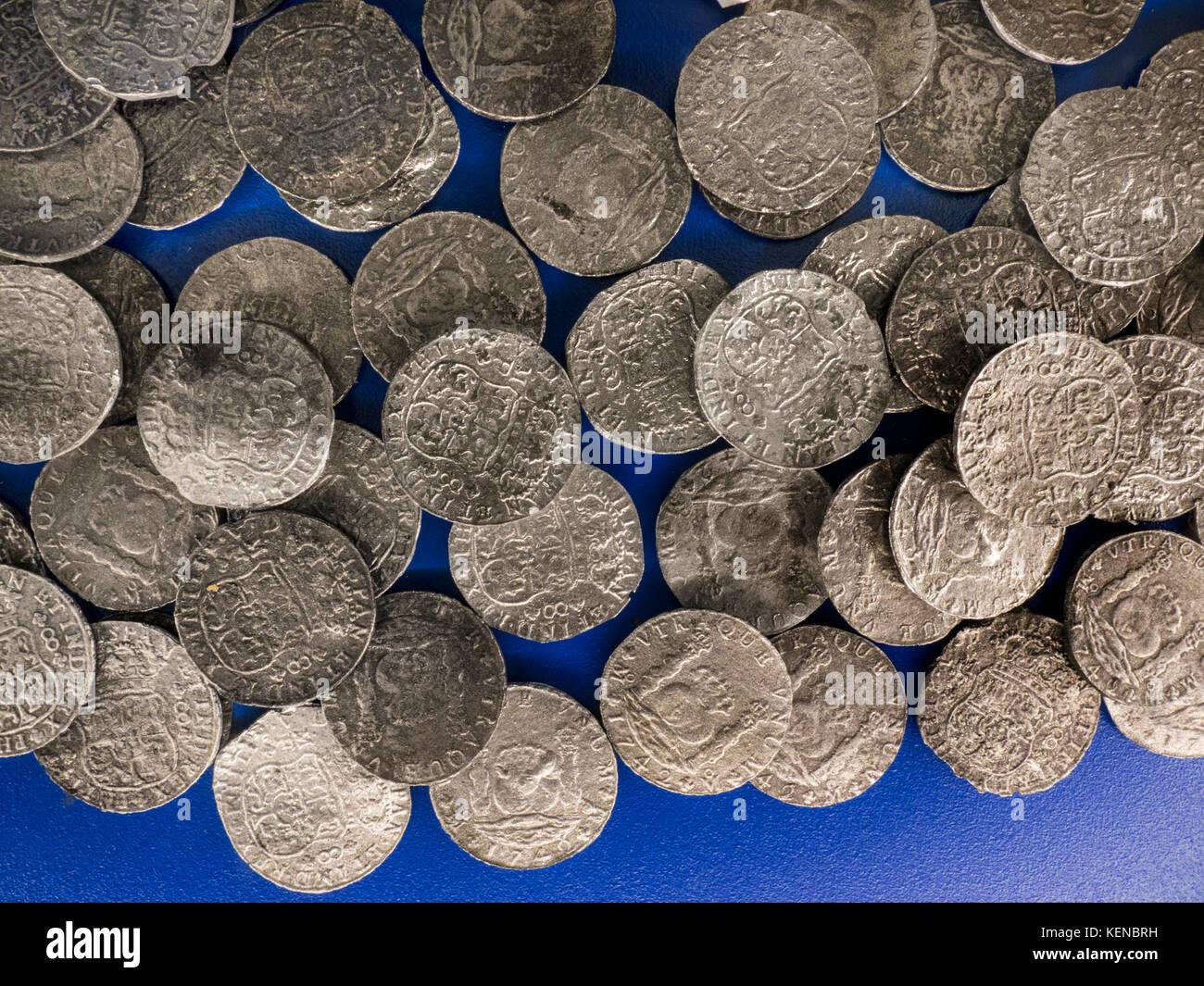 Mexico Hispanic 1742 Pillar Dollar silver 8 Reales shipwreck replica coins - Stock Image