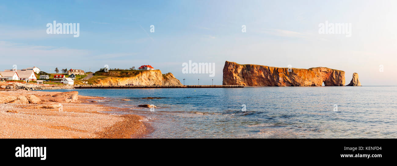 Perce Rock or Rocher Percé view from beach at Gaspe Peninsula in Quebec, Canada. - Stock Image