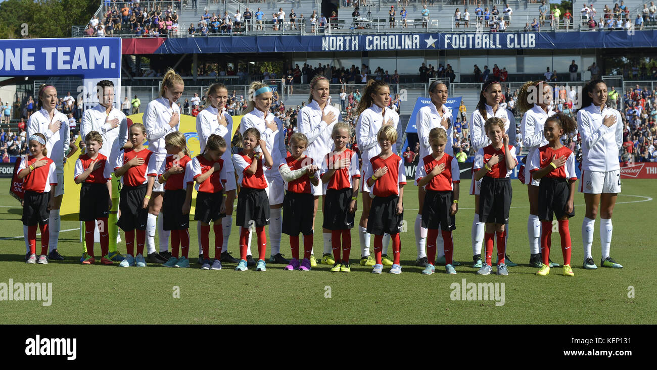 Cary, North Carolina, USA. 22nd Oct, 2017. US starting eleven during the national anthem. The USA played Korea Republic - Stock Image