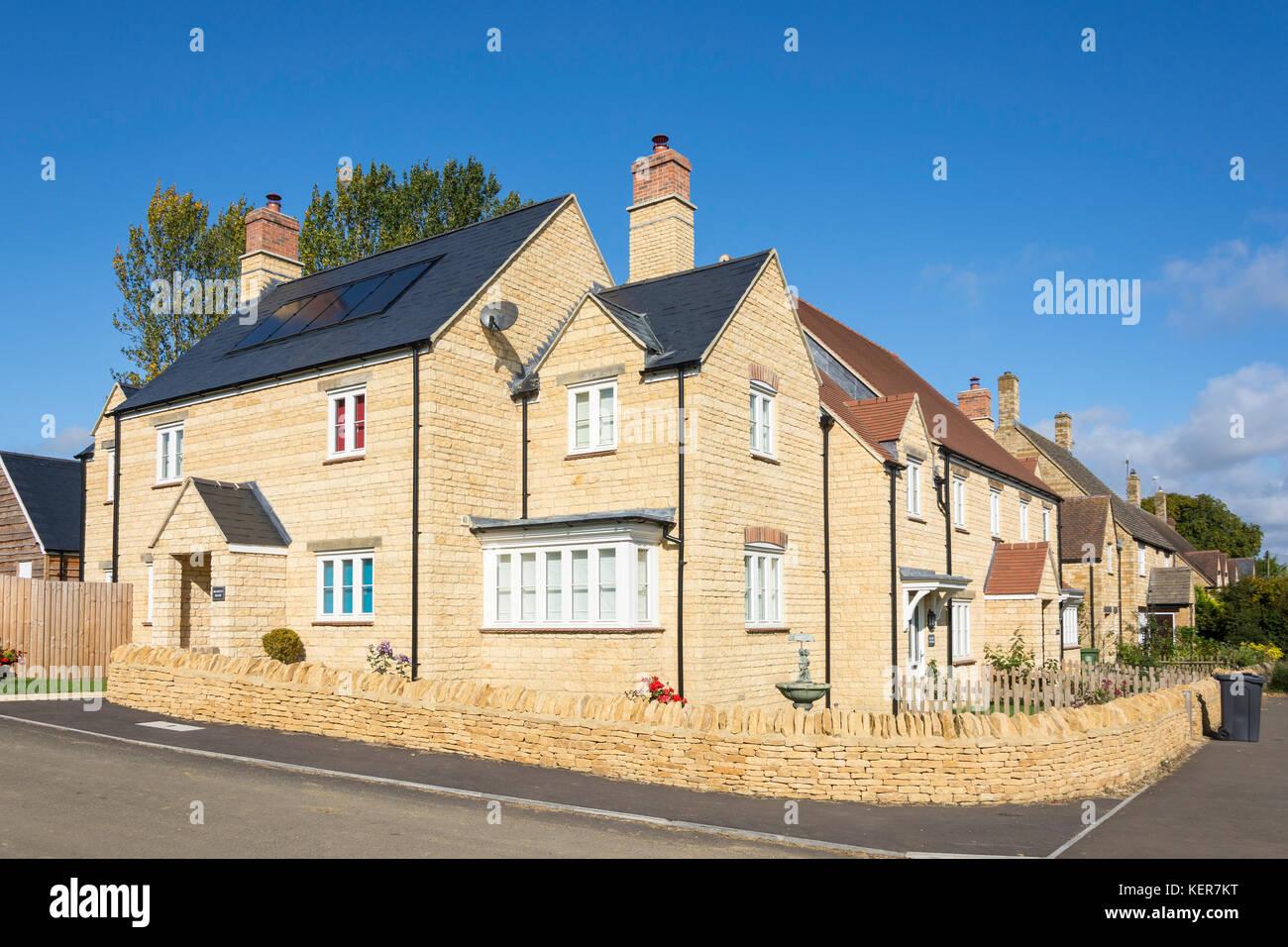 Orchard View cottage development, Main Street, Long Compton, Warwickshire, England, United Kingdom - Stock Image