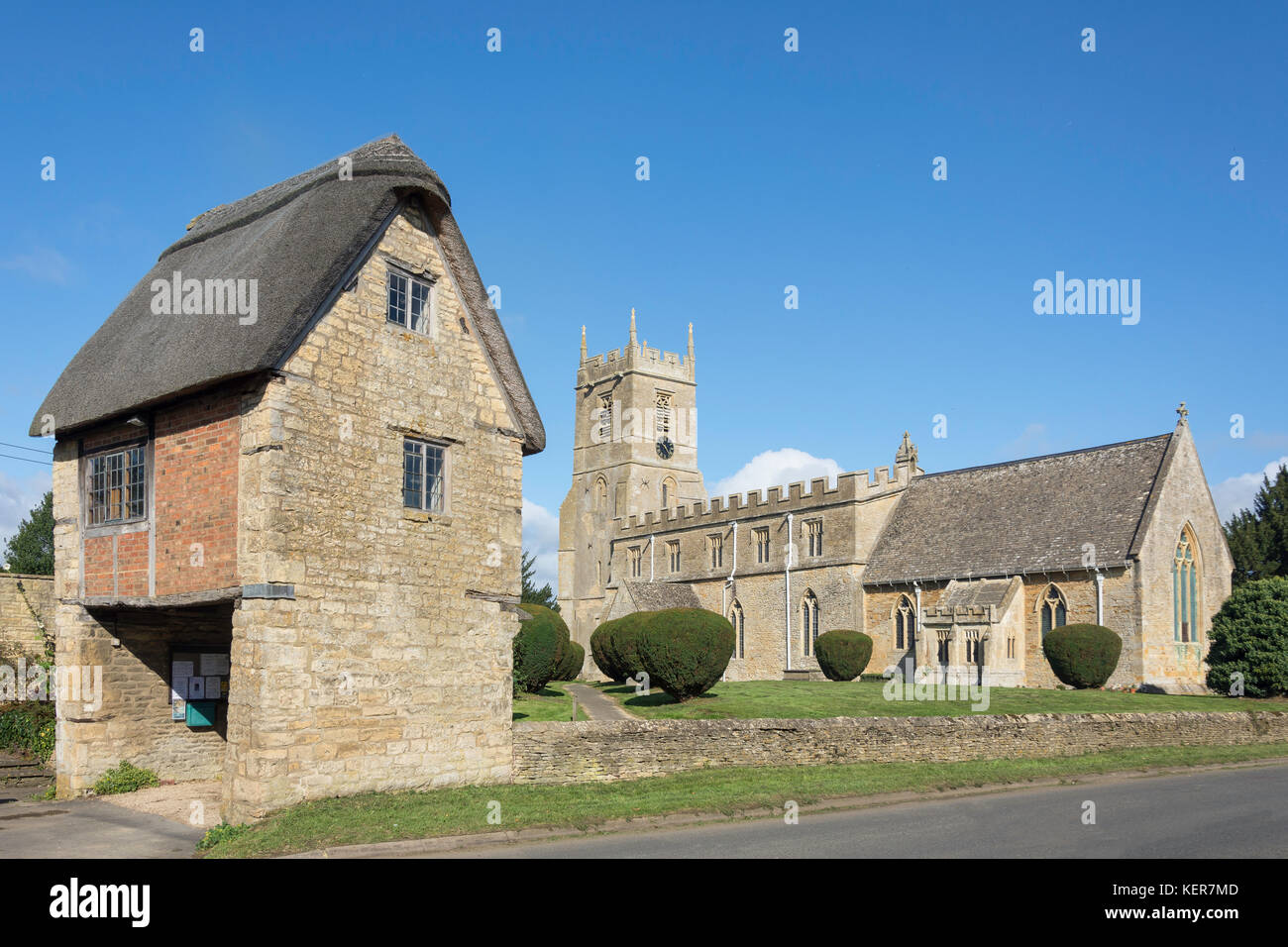 St Peter & St Paul Church showing The Lych Gate, Main Street, Long Compton, Warwickshire, England, United Kingdom - Stock Image