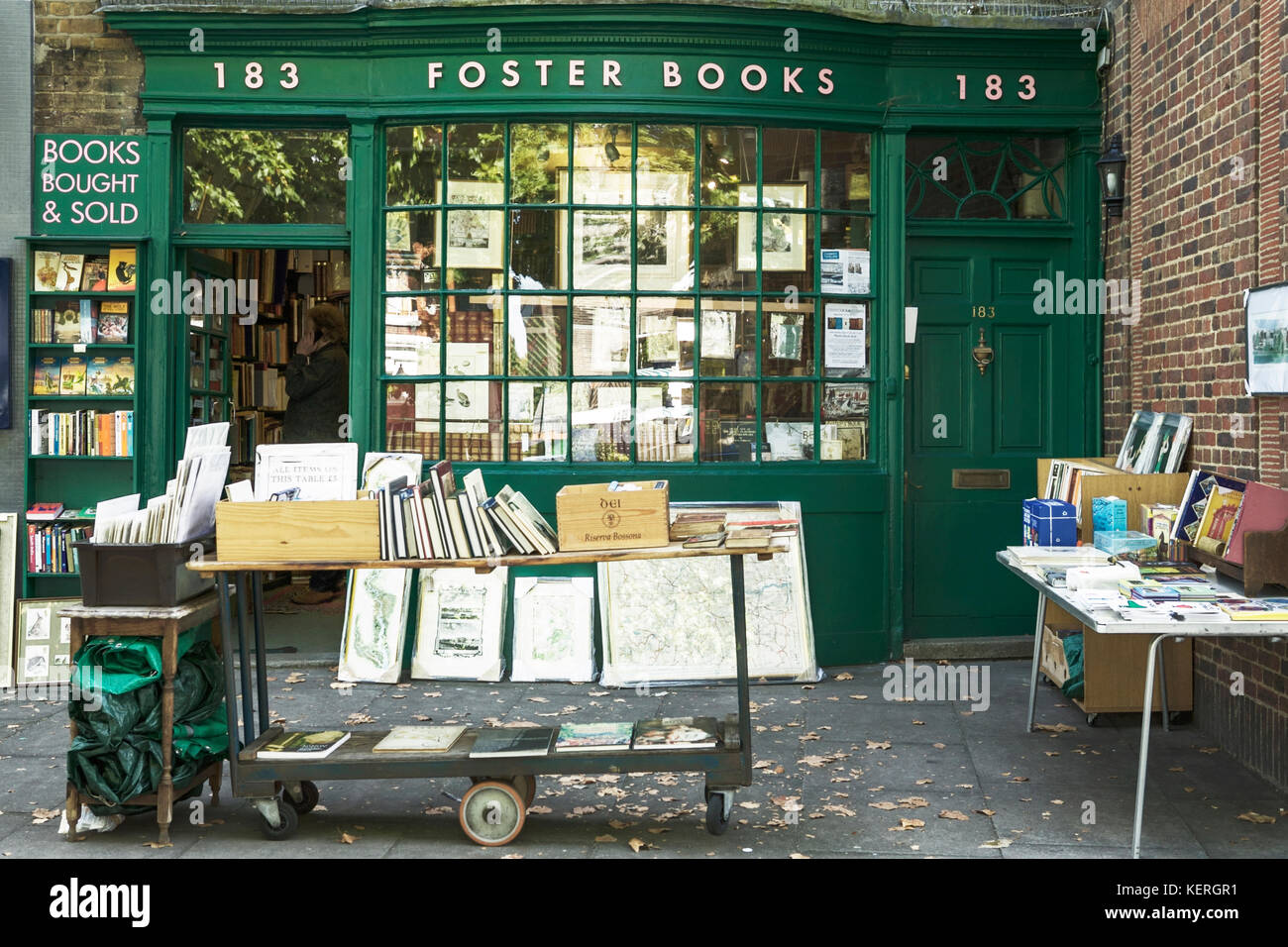 Bookshops UK. Foster Books, Chiswick High Rd, Chiswick, London.  Booksellers in an 18th-century building. Bookshop - Stock Image