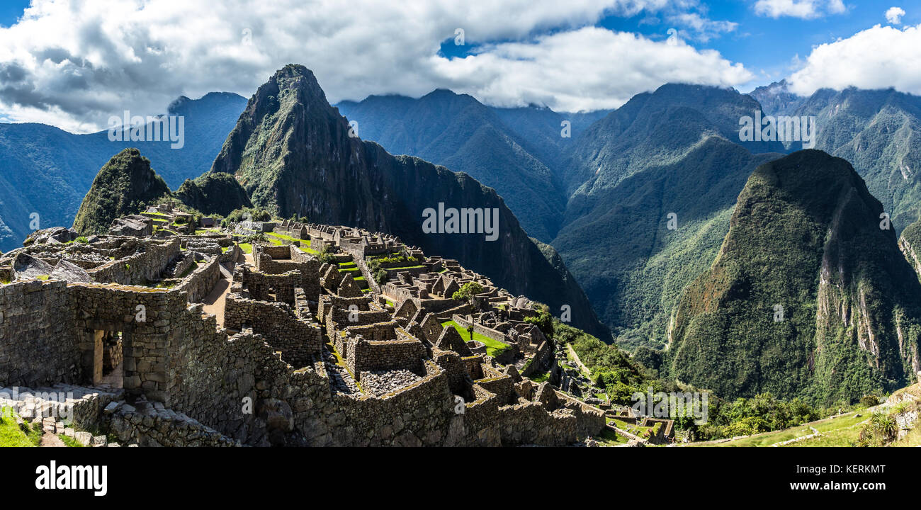 Panoramic view from the top to old Inca ruins and Wayna Picchu mountain, Machu Picchu, Urubamba provnce, Peru - Stock Image