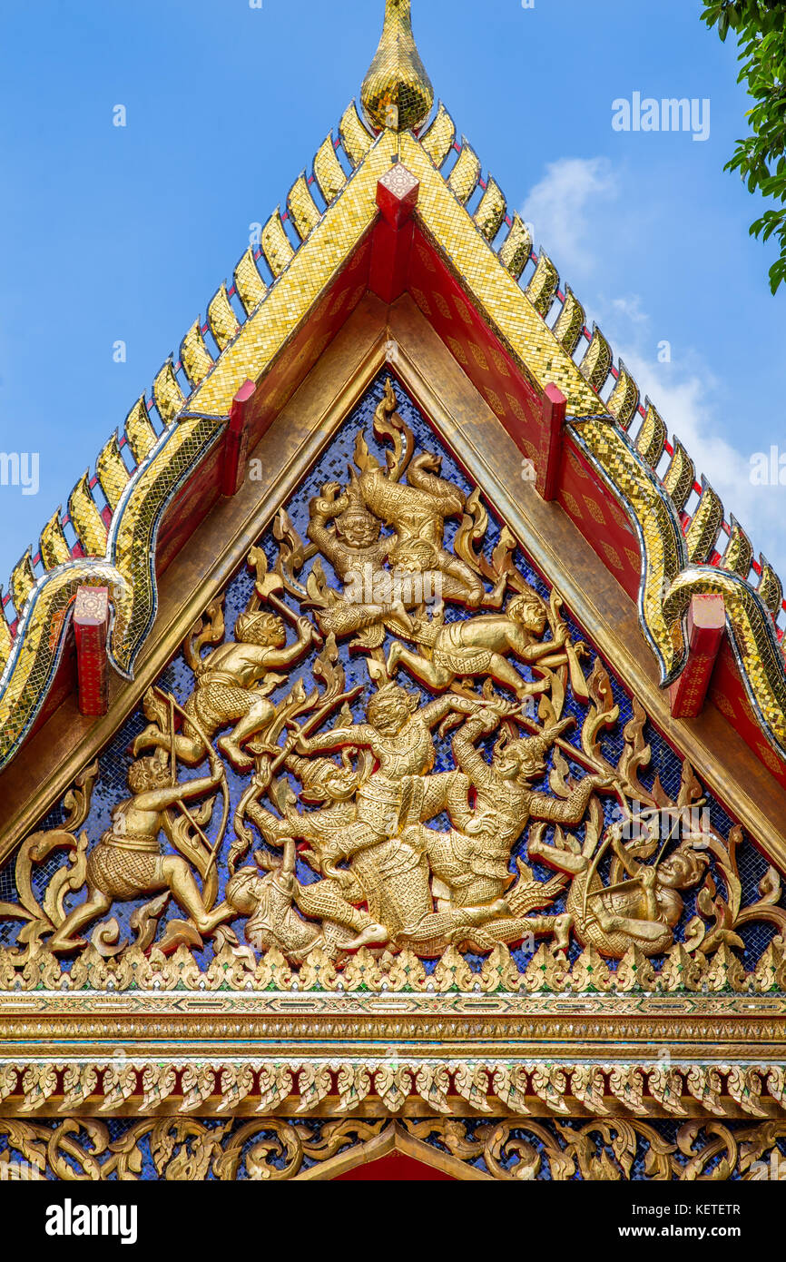Ornate colourful roof at Wat Pho, Bangkok, Thailand - Stock Image