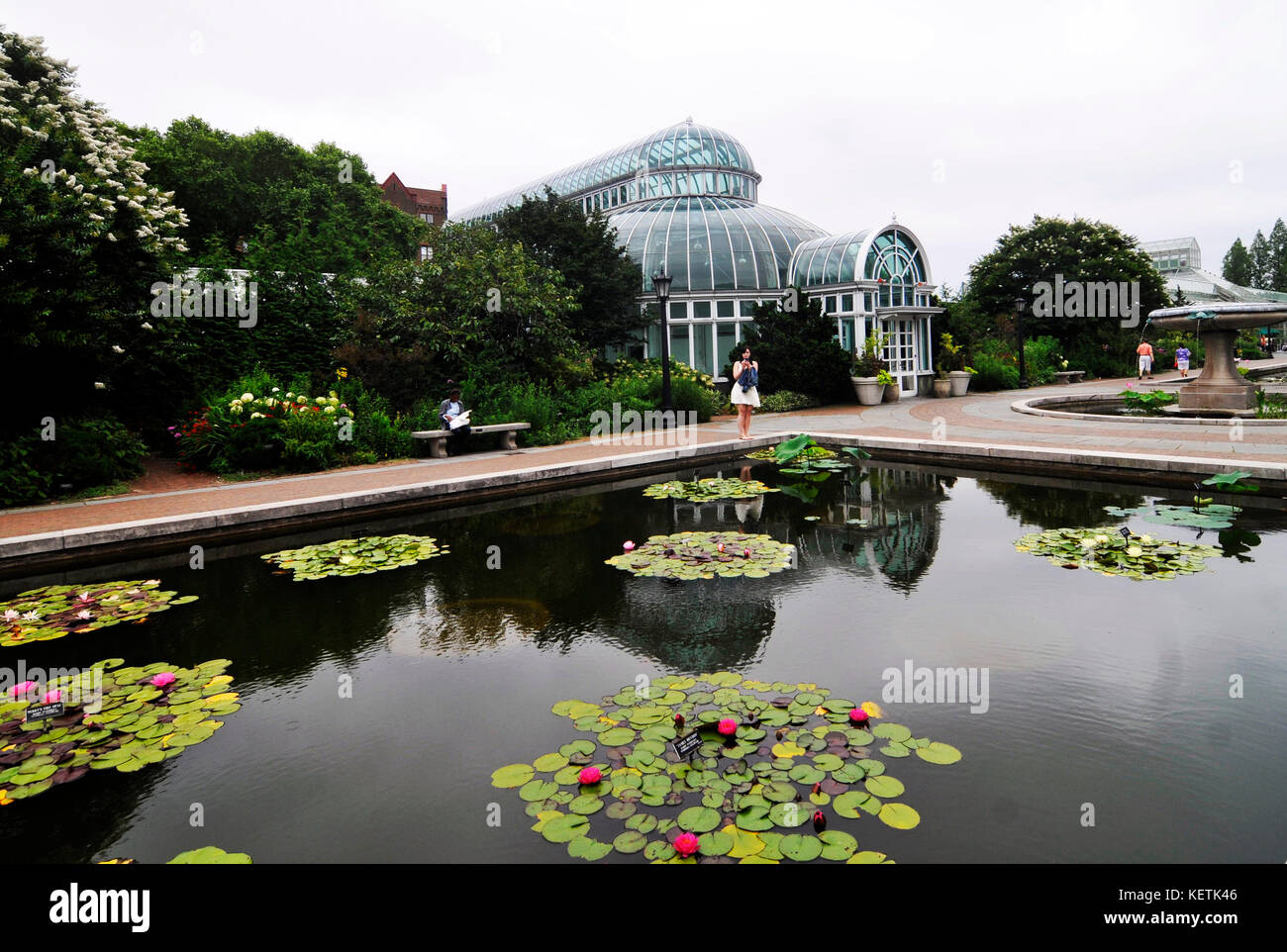 Is there parking at brooklyn botanical gardens garden ftempo for Brooklyn botanical garden parking