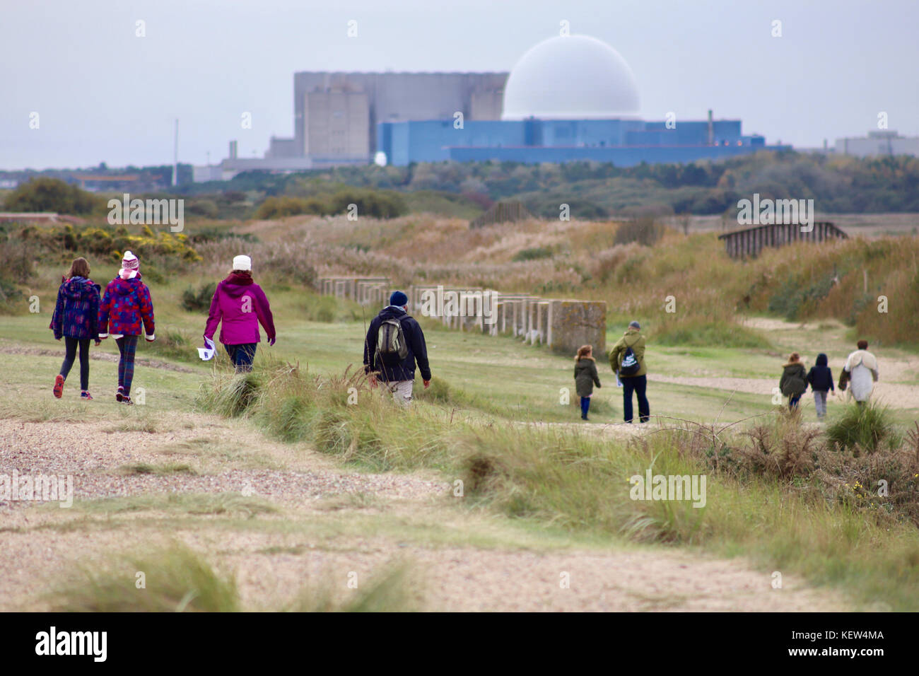Saxmundham, UK. 23rd Oct, 2017. UK Weather: People walking near Minsmere nature reserve on an overcast day in Suffolk. - Stock Image