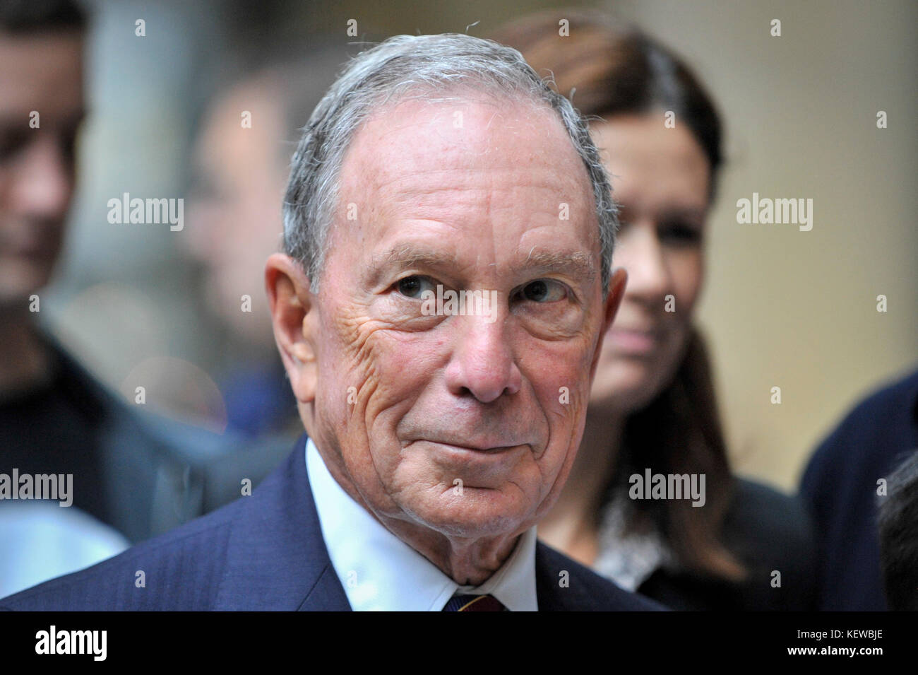London, UK. 24th Oct, 2017. Michael Bloomberg at a photocall to mark the launch of Bloomberg's new European headquarters Stock Photo
