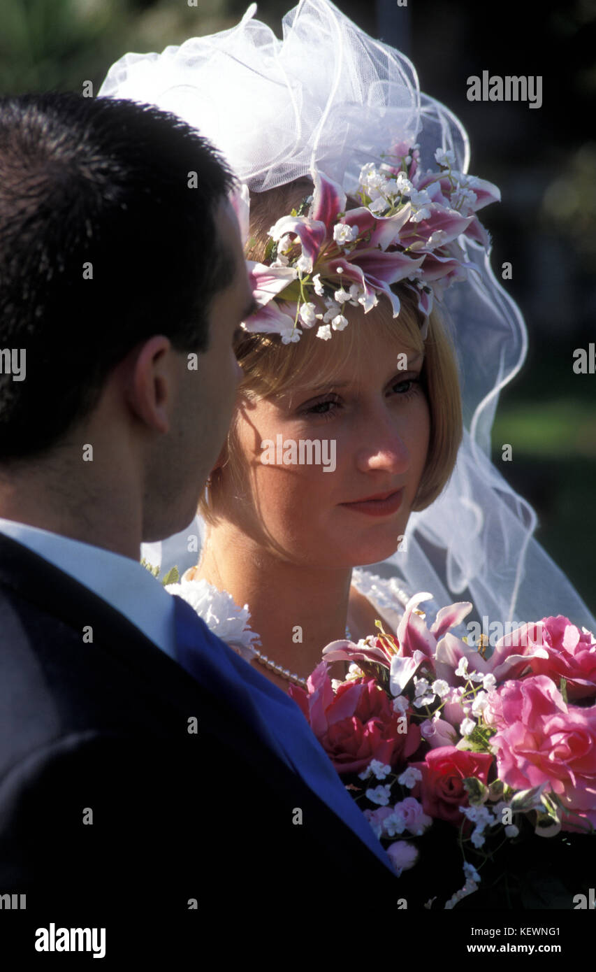 bride looking unhappy on her wedding day - Stock Image