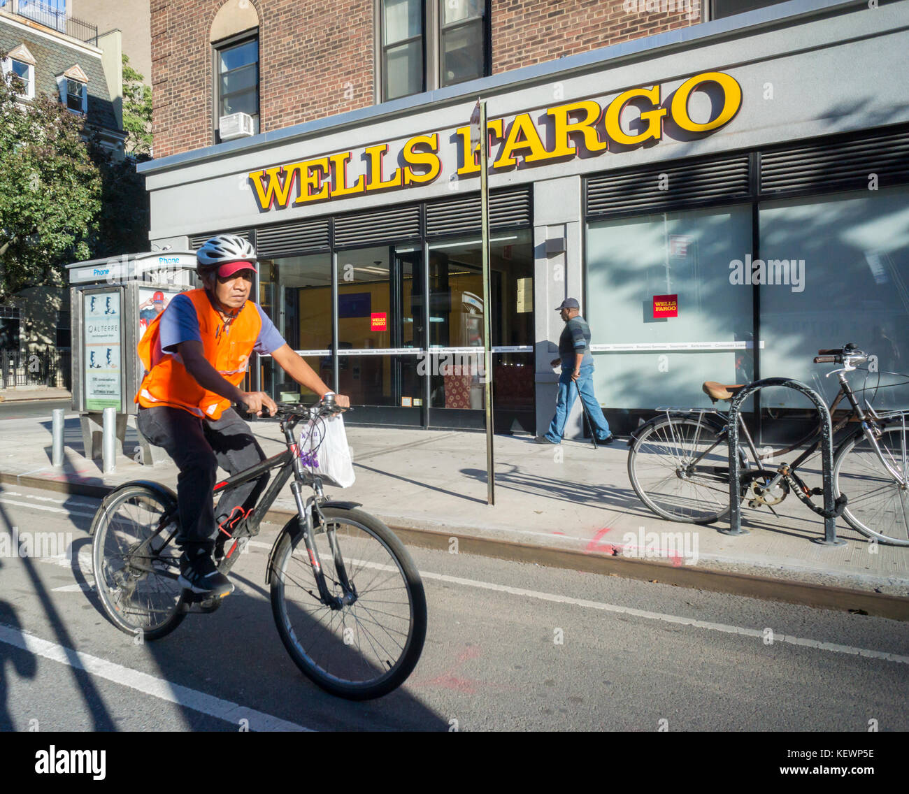 A branch of Wells Fargo in New York on Thursday, October 19, 2017. (© Richard B. Levine) - Stock Image