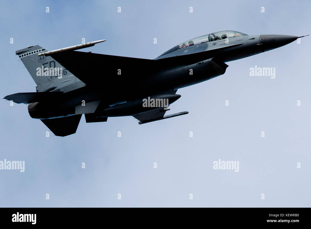 United States Air Force General Dynamics F-16D Fighting Falcon (87-0386) from 412th Test Wing, Edwards Air Force - Stock Image