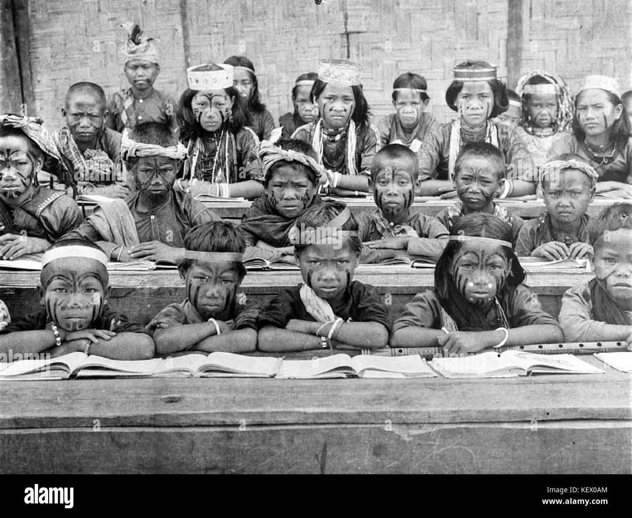 Children of the protestant missionary school in Poso, Sulawesi   Collectie stichting Nationaal Museum van Wereldculturen - Stock Image