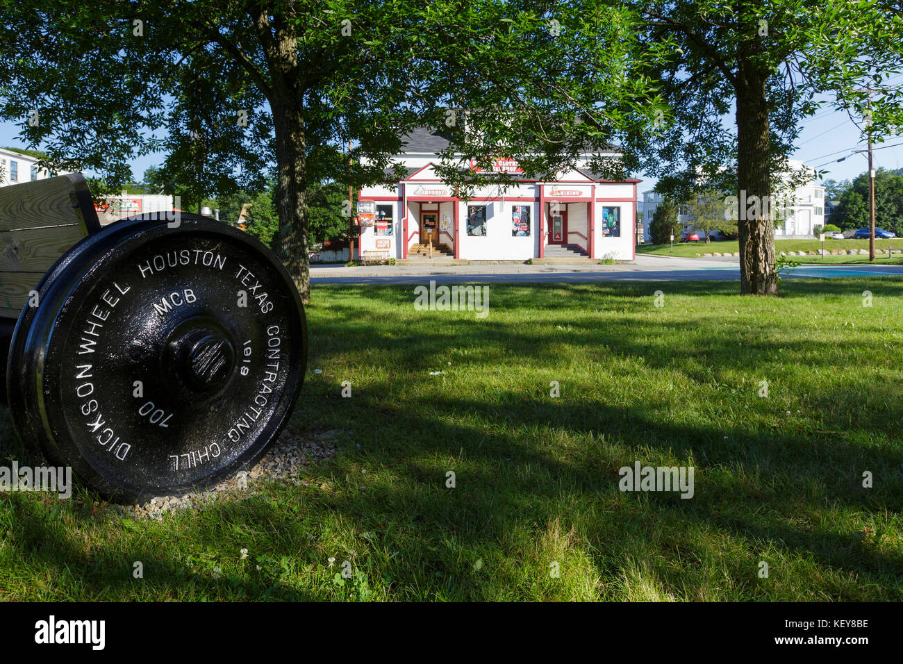 Lahout's Clothing and Ski Shop in Lincoln, New Hampshire USA. - Stock Image