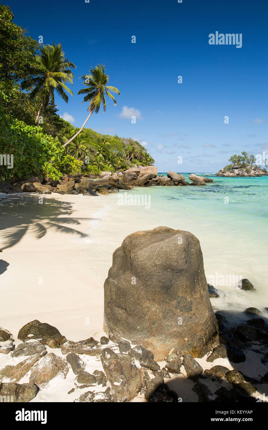 The Seychelles, Mahe, Anse Royale, Ile Souris, beach, granite rock sculpted by the sea - Stock Image
