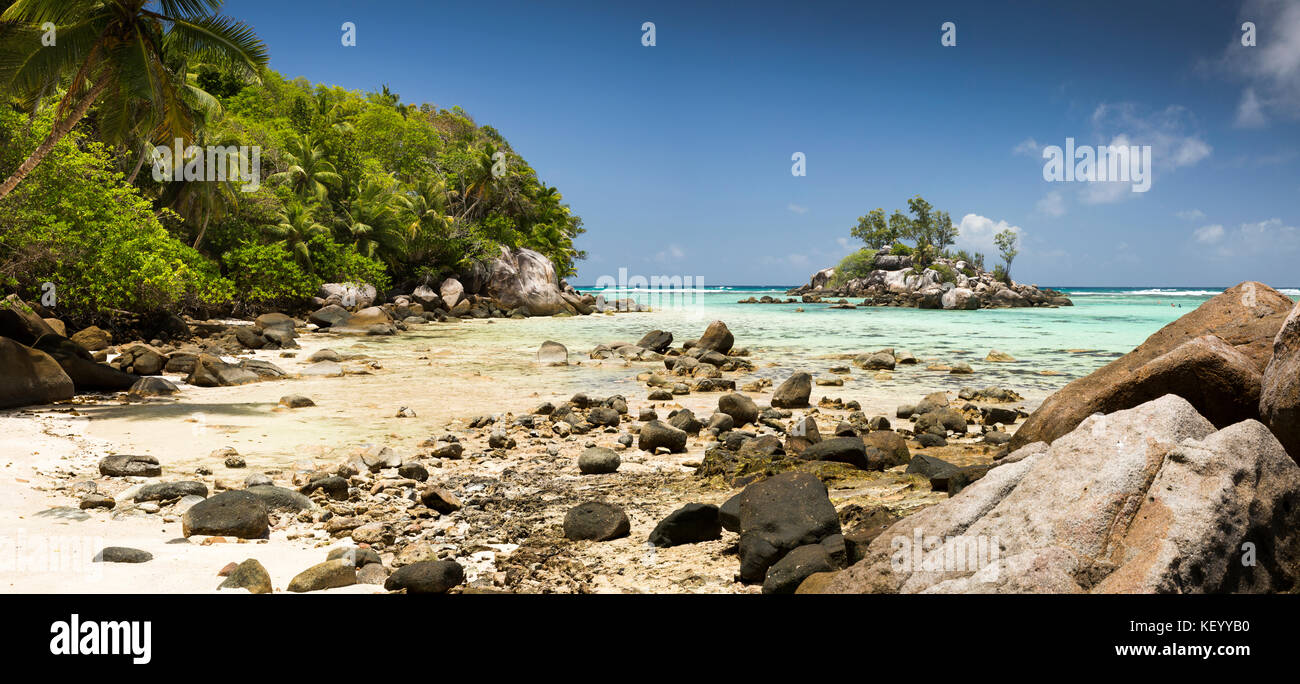 The Seychelles, Mahe, Anse Royale, Ile Souris, beach, at low tide, panoramic - Stock Image