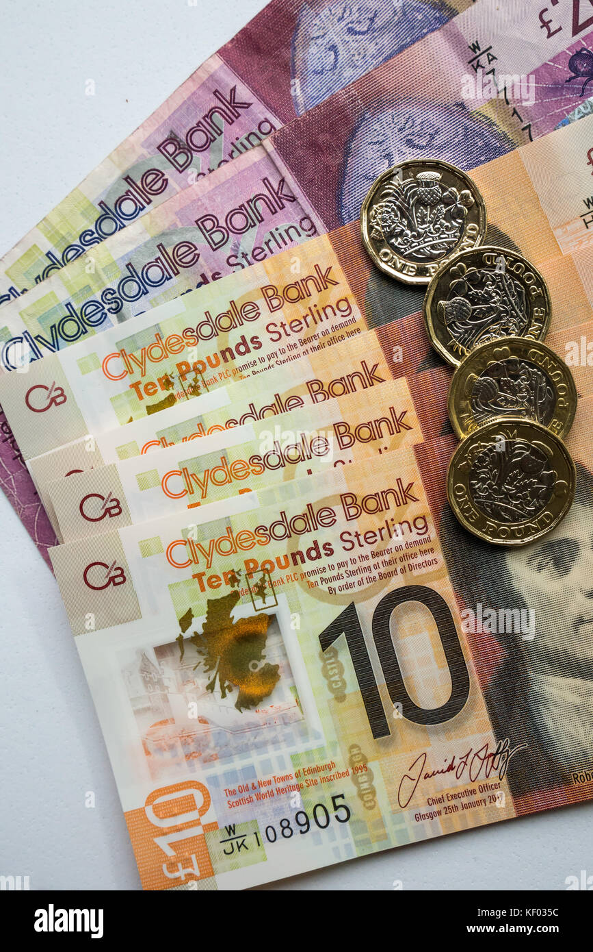 Clydesdale Bank Scottish twenty £20, plastic polymer ten £10 banknotes with Robert Burns and hexagonal - Stock Image