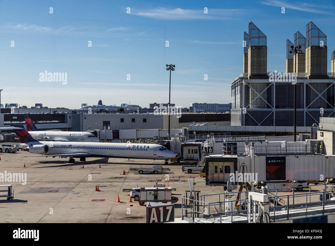 Delta Airplanes at the gate at Atlanta's Hartsfield-Jackson Airpot - Stock Image