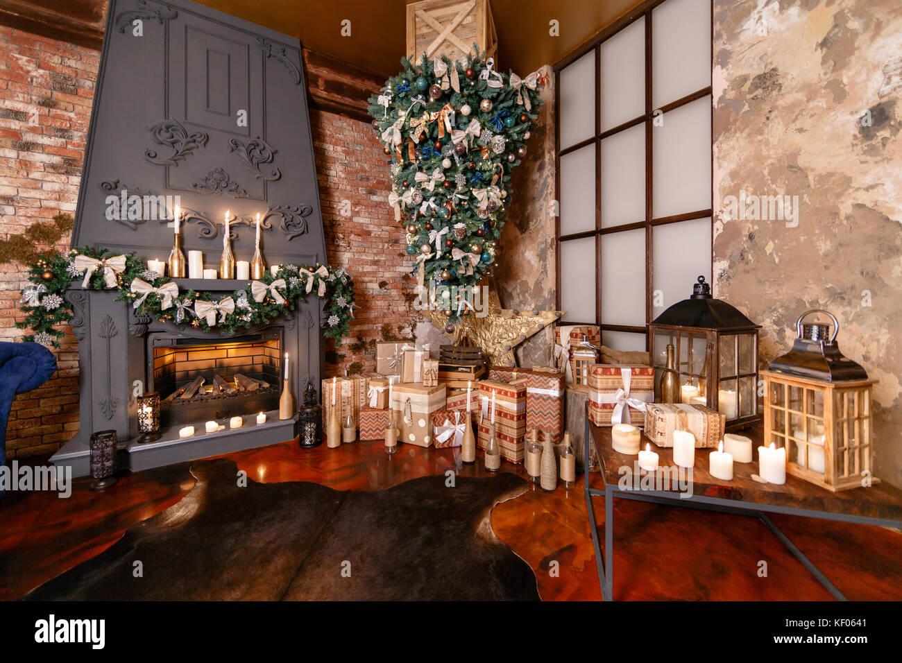 Upside Down Christmas Tree Ideas.Alternative Tree Upside Down On The Ceiling Winter Home