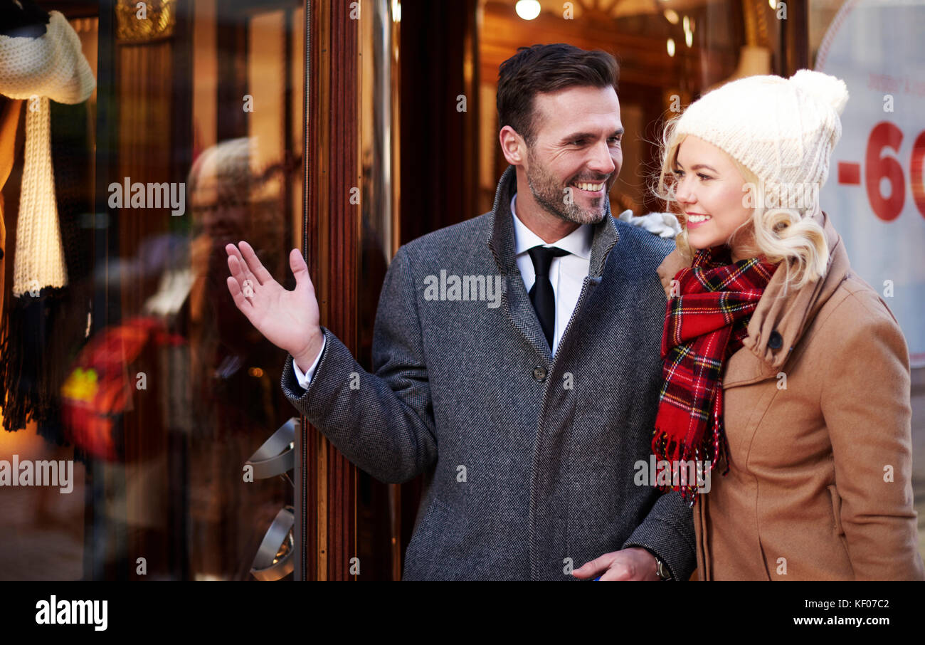 Customers outside the shopping mall - Stock Image