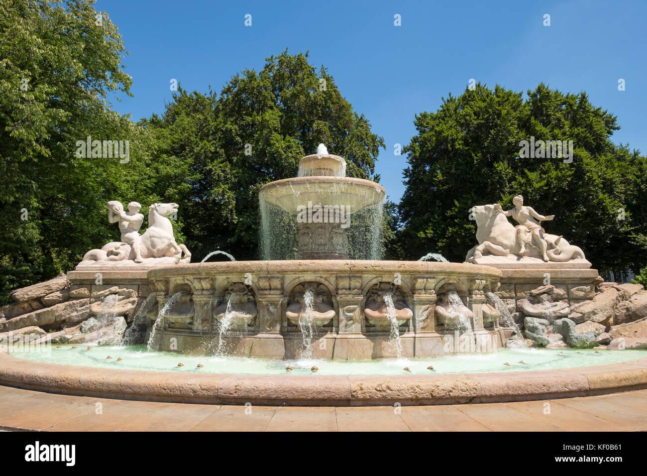 Wittelsbacher Brunnen, Lenbachplatz, Altstadt, München, Oberbayern, Bayern, Deutschland - Stock Image