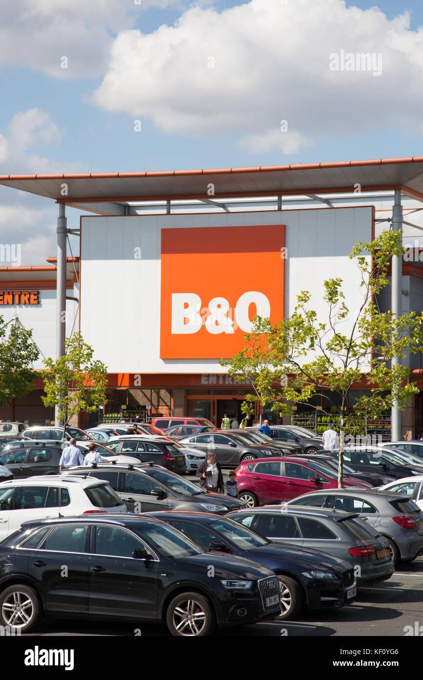 B&Q store, Stockport - Stock Image