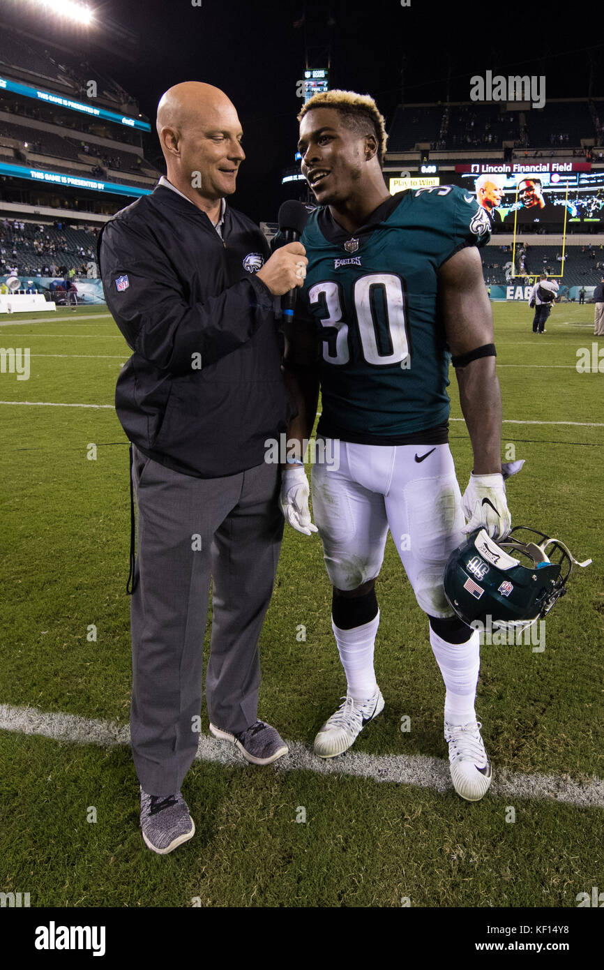 October 23, 2017: Philadelphia Eagles running back Corey Clement (30) gets interviewed following the NFL game between - Stock Image
