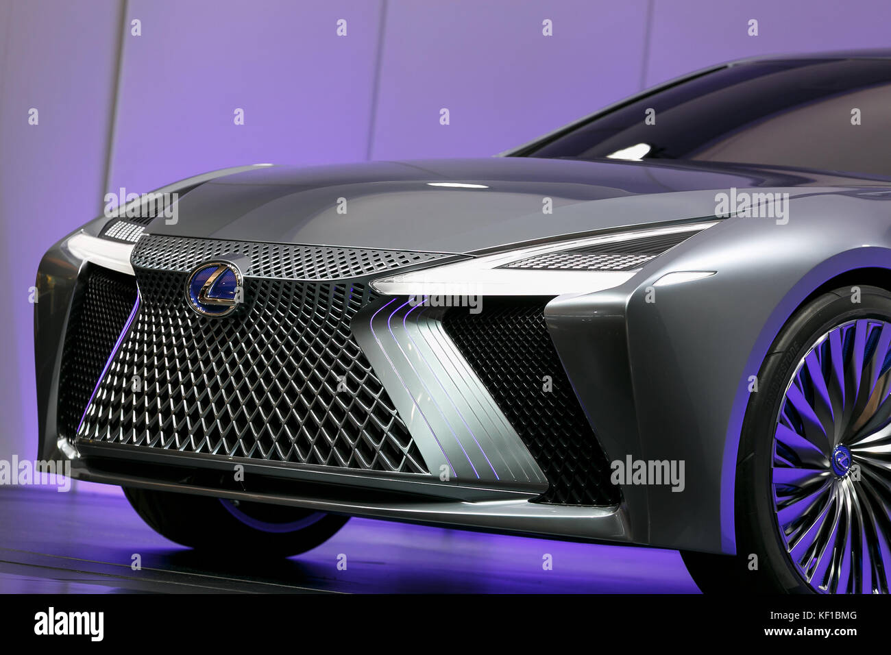 https://c8.alamy.com/comp/KF1BMG/tokyo-japan-25th-oct-2017-lexus-ls-plus-concept-vehicle-on-display-KF1BMG.jpg