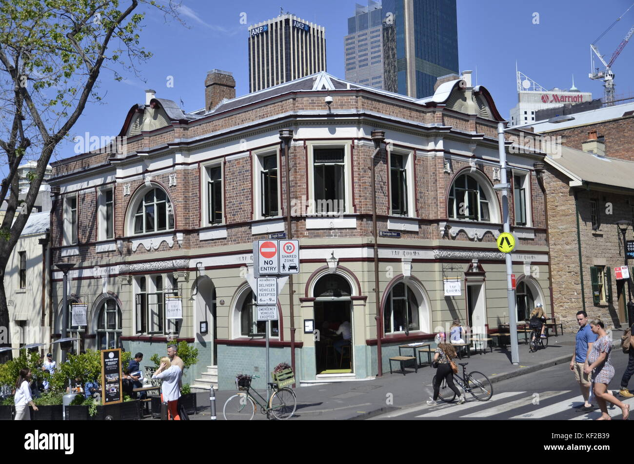 The Endeavour Tap House brew pub in Argyle Street in Sydney's Rocks area - Stock Image