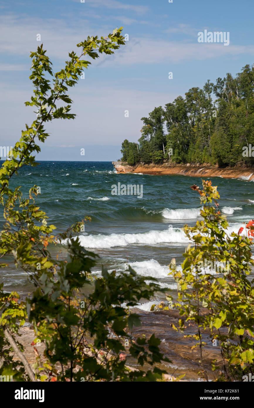 Munising, Michigan - The shore of Lake Superior in Pictured Rocks National Lakeshore. - Stock Image