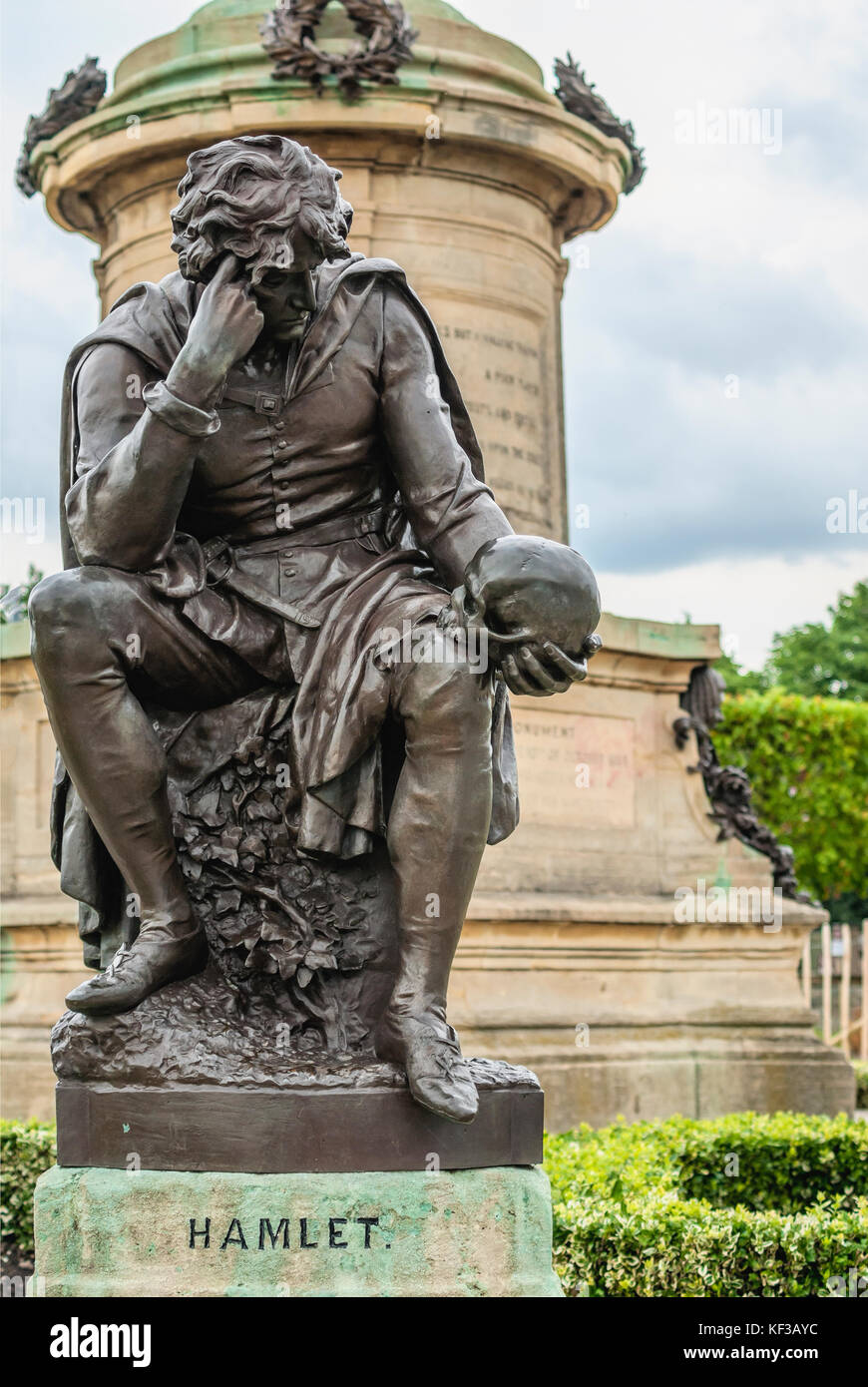 Hamlet sculpture at the Sir Ronald Gower Memorial to Shakespeare in Stratford upon Avon, Warwickshire, England. - Stock Image