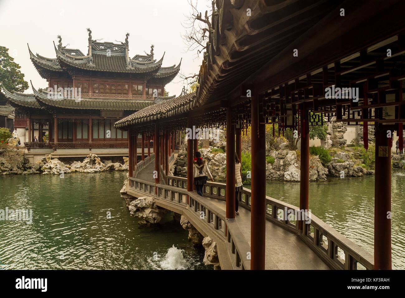 Chenghuang Miao, Shanghai Stock Photos & Chenghuang Miao, Shanghai ...