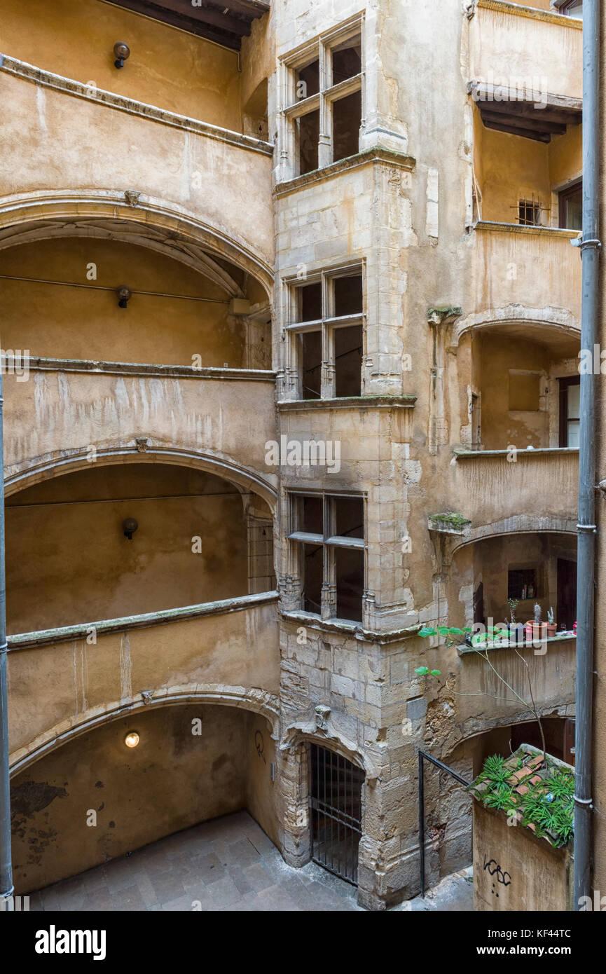 Traboule Les deux Cours, Saint Jean District, Unesco World Heritage Site, Old Lyon, Rhône Alpes, France - Stock Image