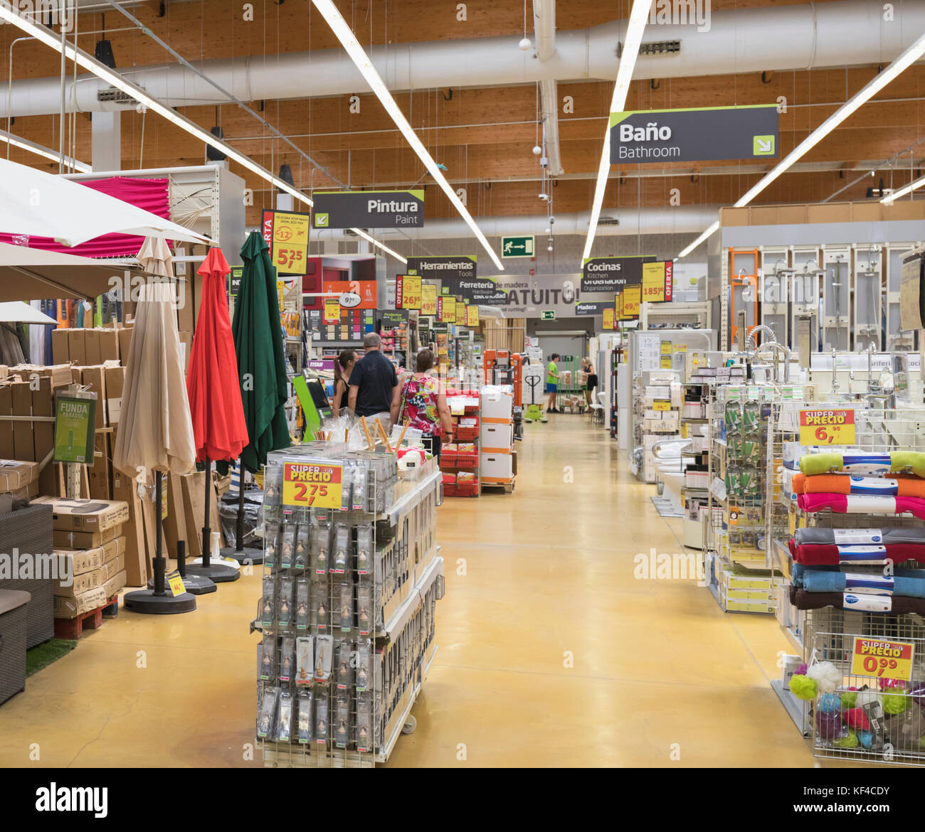 Do it yourself store stock photos do it yourself store stock do it yourself store f2f9j2 rm fuengirola costa del sol malaga province andalusia southern spain interior of solutioingenieria Gallery