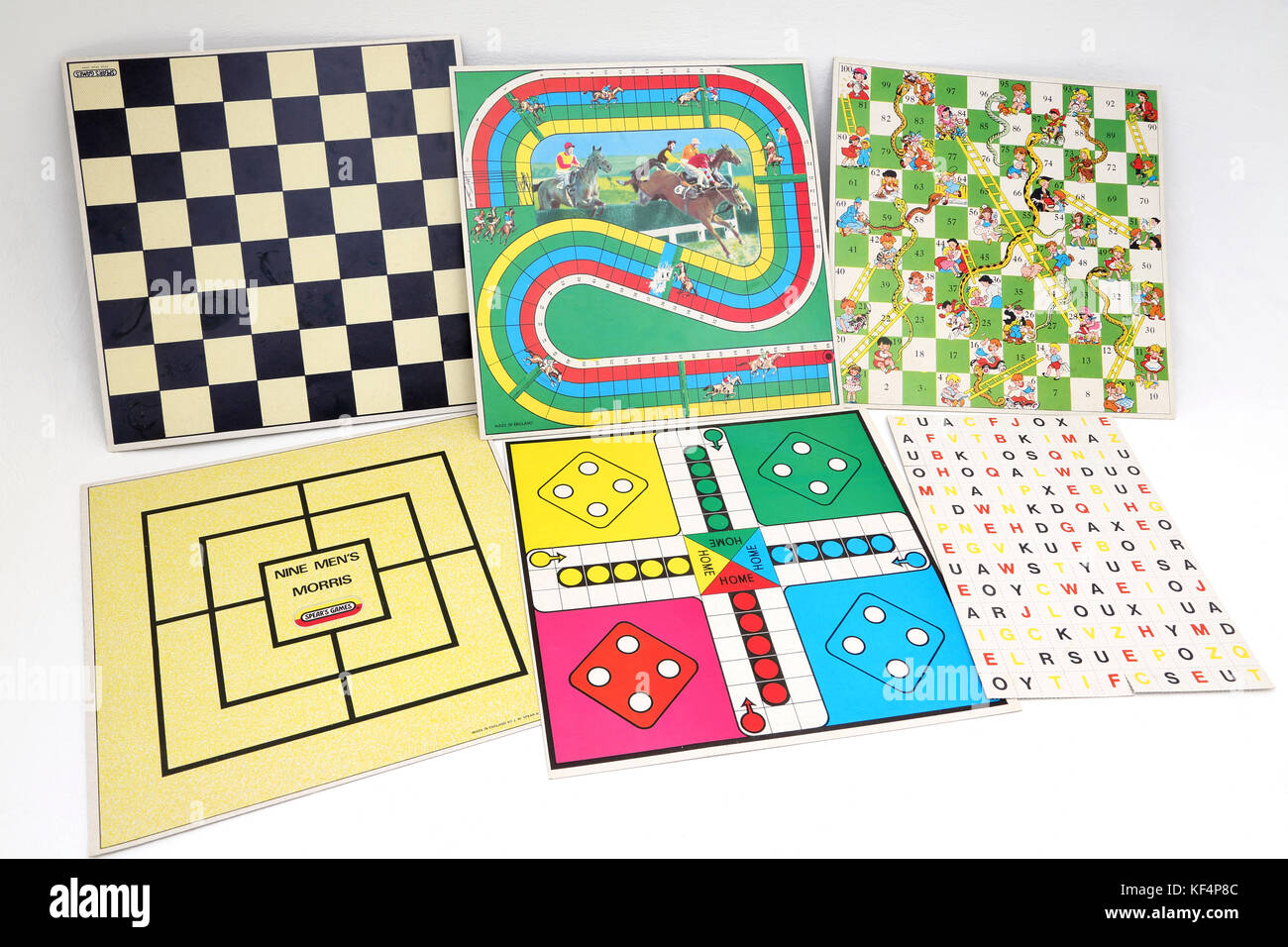 Vintage 1980's Spear's Games Compendium - Draughts, Nine Men's Morris, Steeplechase, Ludo, Snakes and Ladders, Word Stock Photo