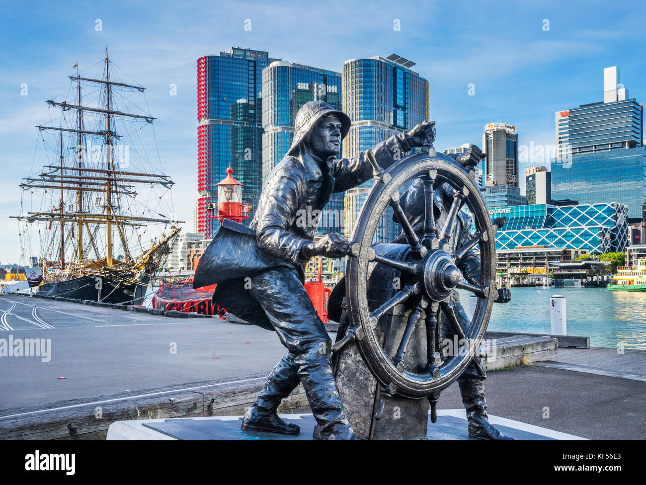 Australia, New South Wales, Sydney, Darling Harbour, bronce sculpture to celebrate windjammer sailors at the Wharf - Stock Image