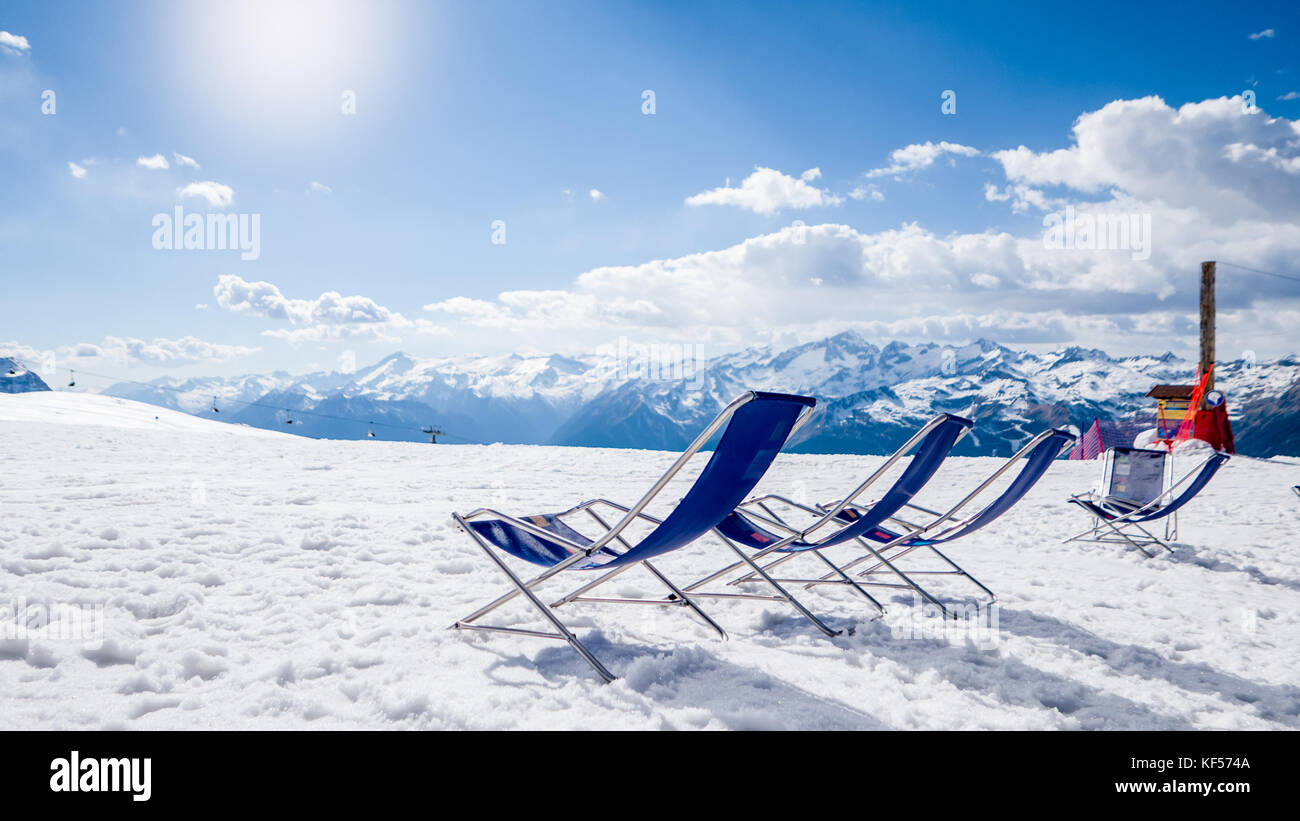 Relaxing ski holidays in the ski resort - Stock Image