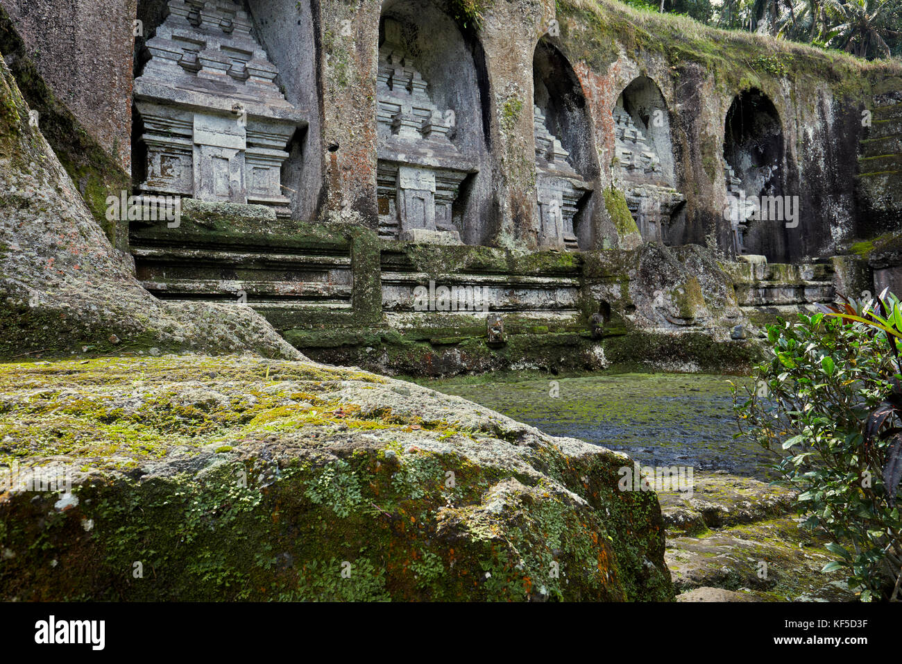 Rock cut shrines in Gunung Kawi, 11th-century temple and funerary complex. Tampaksiring, Bali, Indonesia. - Stock Image