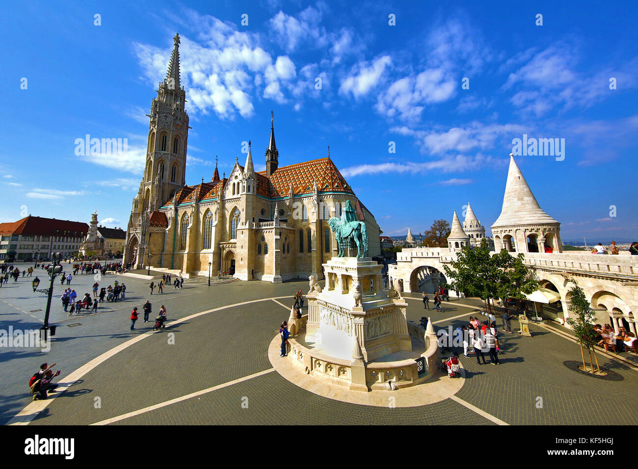 The Fisherman's Bastion and the Matthias Church in Budapest, Hungary - Stock Image