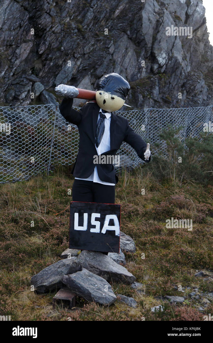 A missile-carrying anti Donald Trump protest figure stands along the A836 roadway near the remote northern Scottish - Stock Image