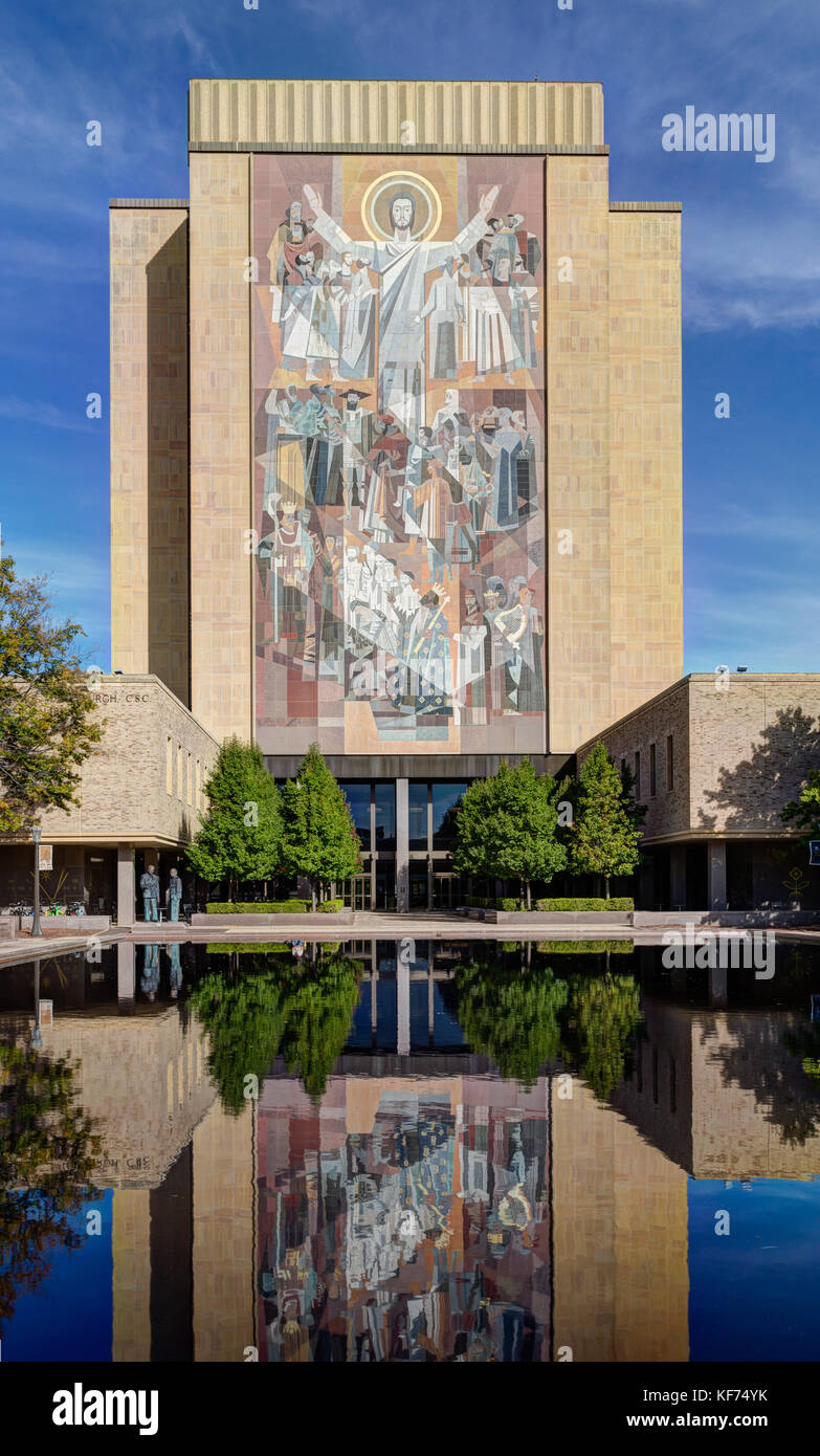 NOTRE DAME, IN/USA - OCTOBER 19, 2017:  Word of Life mural, commonly called 'Touchdown Jesus' on the campus - Stock Image