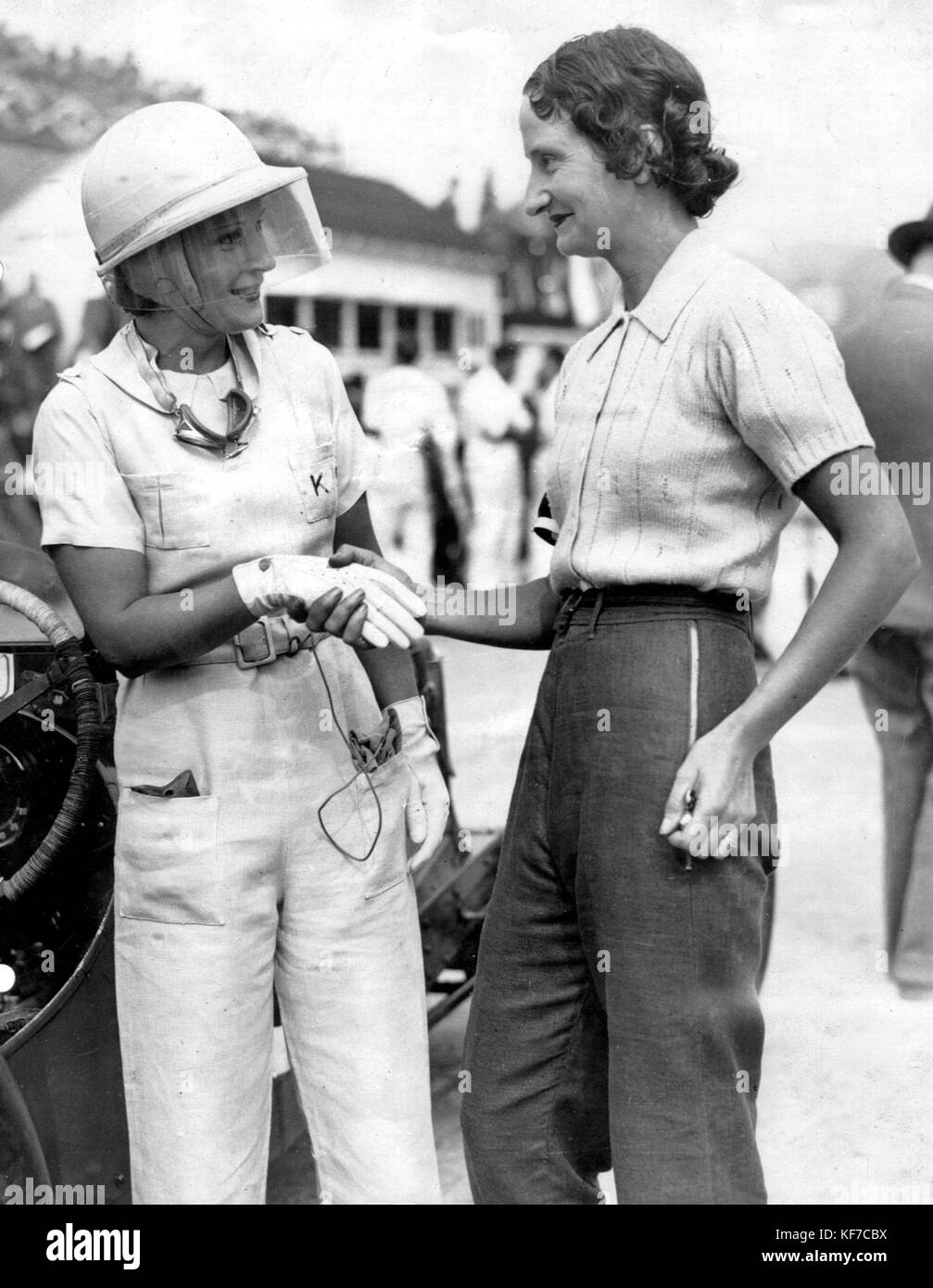 Kay Petre (left) and Elsie 'Bill' Wisdom at Brooklands - Stock Image