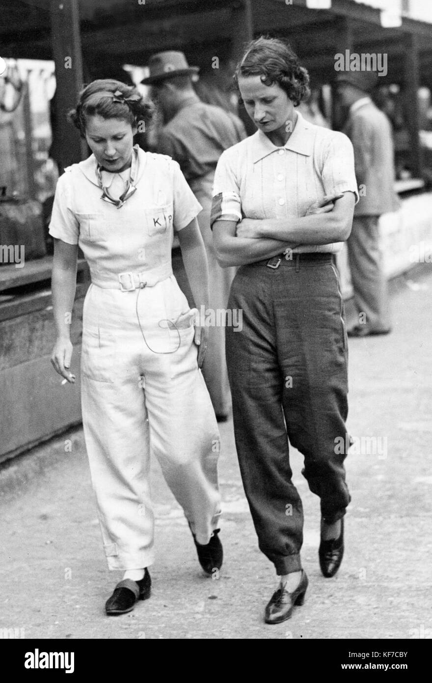 Elsie Wisdom (right) and Kaye Petre at Brooklands - Stock Image