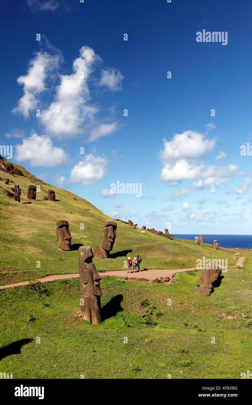 EASTER ISLAND, CHILE, Isla de Pascua, Rapa Nui, Rano Raraku is a volcanic crater on the lower slopes of Terevaka, - Stock Image
