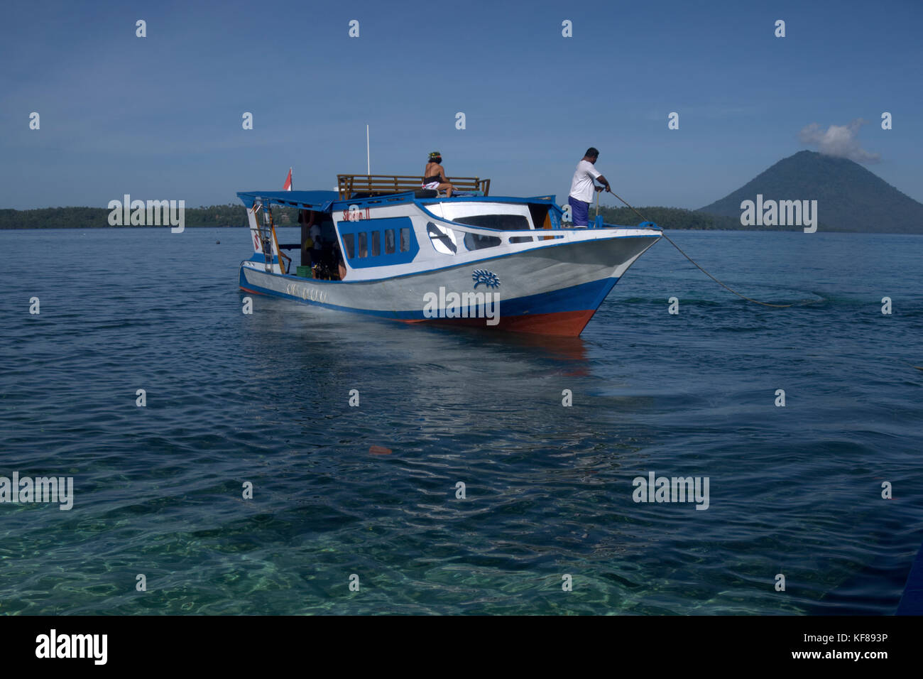 Dive boat in the Bunaken national marine park in North Sulawesi, Indonesia - Stock Image