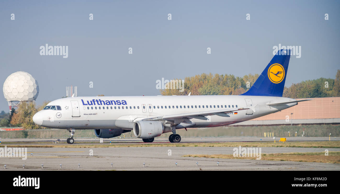 Milan Linate, Italy - Oct 25, 2017: A Lufthansa Airbus A320-200 taxiing at Milan's Linate Airport - Stock Image