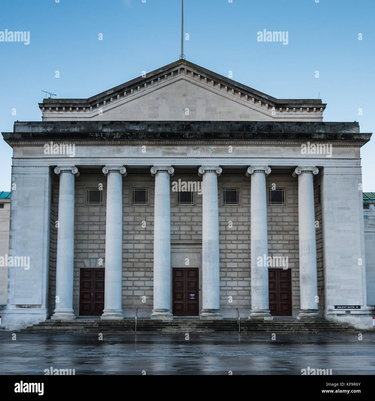 A shot of the facade of Southampton Guildhall. - Stock Image