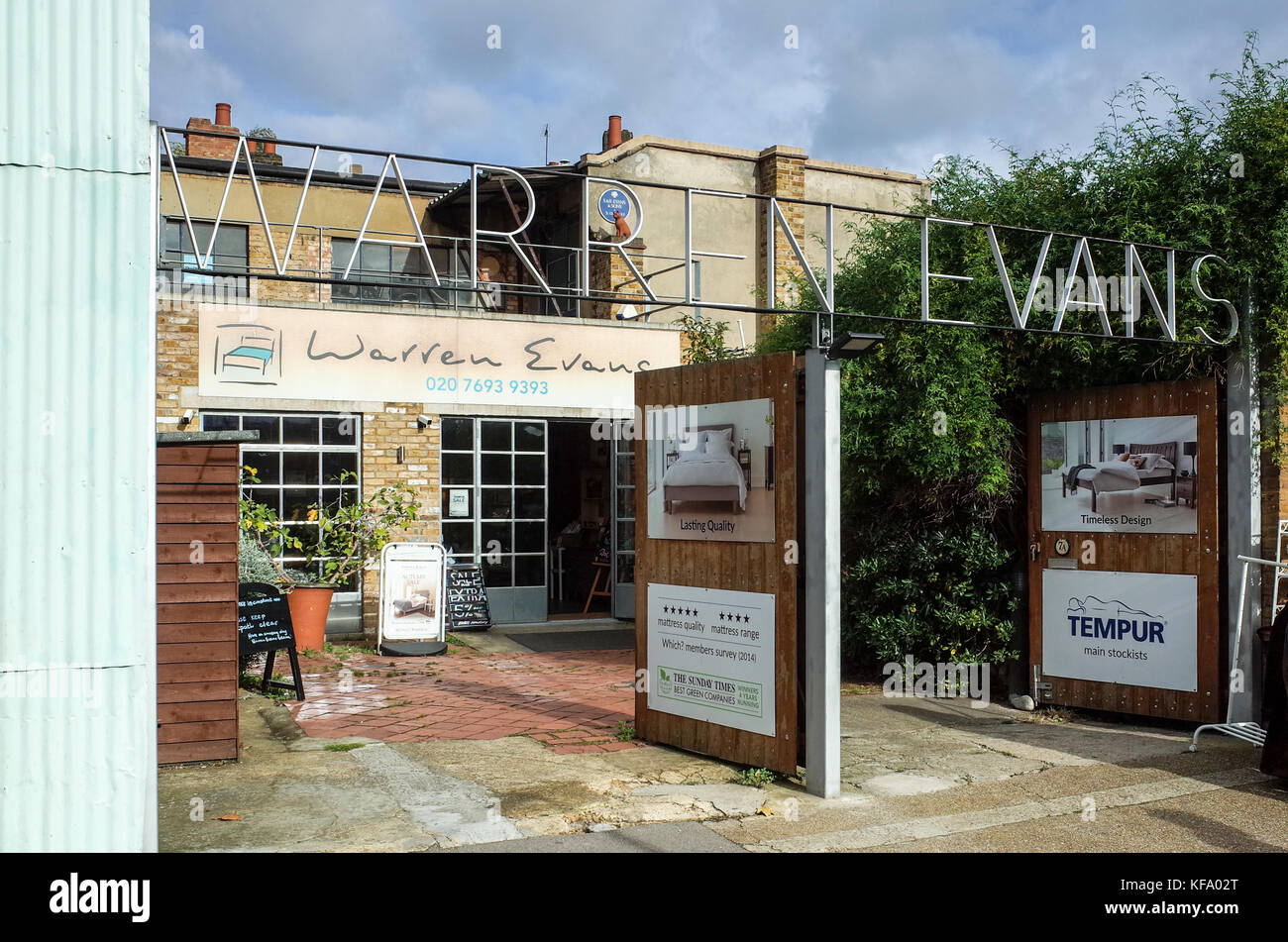 Warren Evans Store in Shoreditch, near Columbia Road Market. The firm was started in 1978 and well known for its - Stock Image