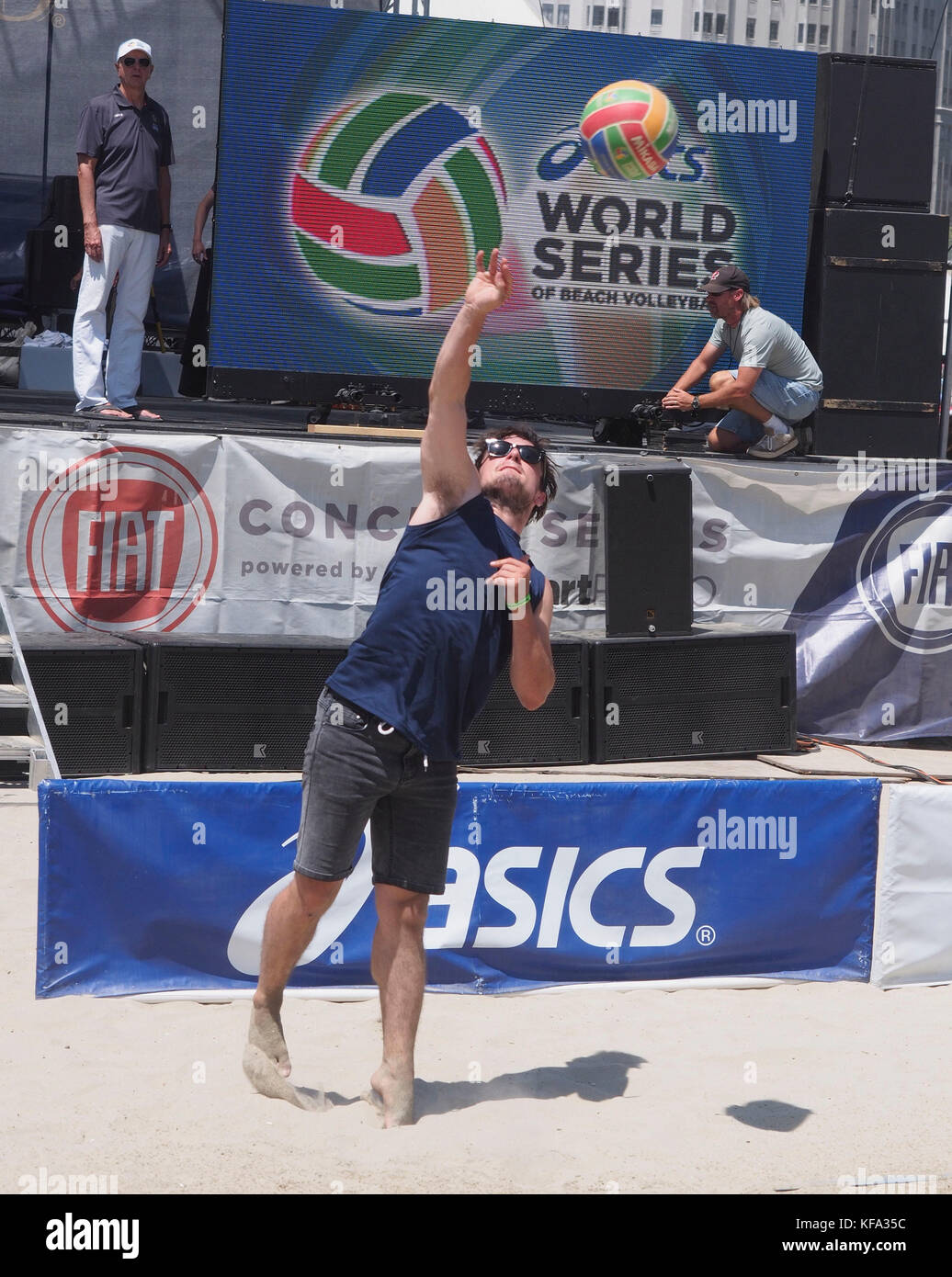 asics 2015 volleyball